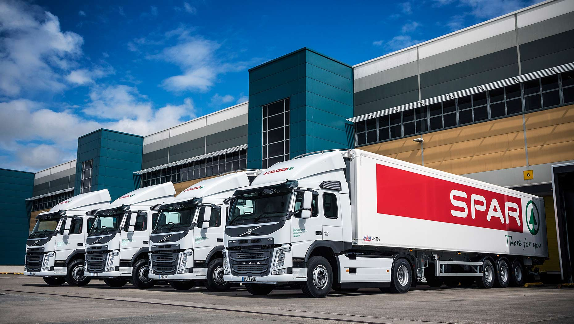 Eight new Volvo trucks, six FM 4x2 tractor units and two FE 6x2 rigid