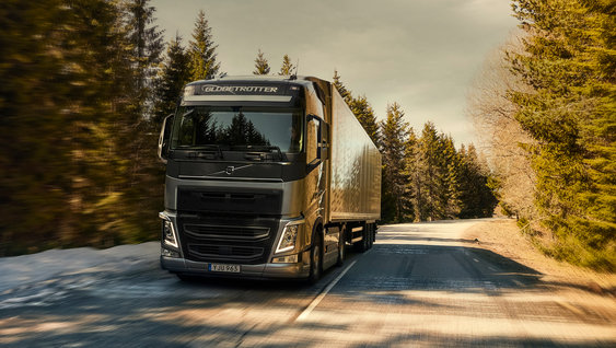 The Volvo FH driving in cold environment